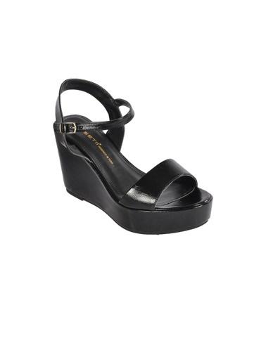 Esstii 400 Ten Kadın Topuklu Ayakkabı Siyah